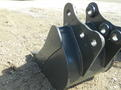 18 inch bucket made to fit kubota u35 kx121 kx71 kx91 1