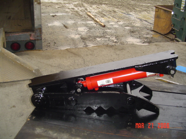 HT1035 hydraulic thumb ready to ship