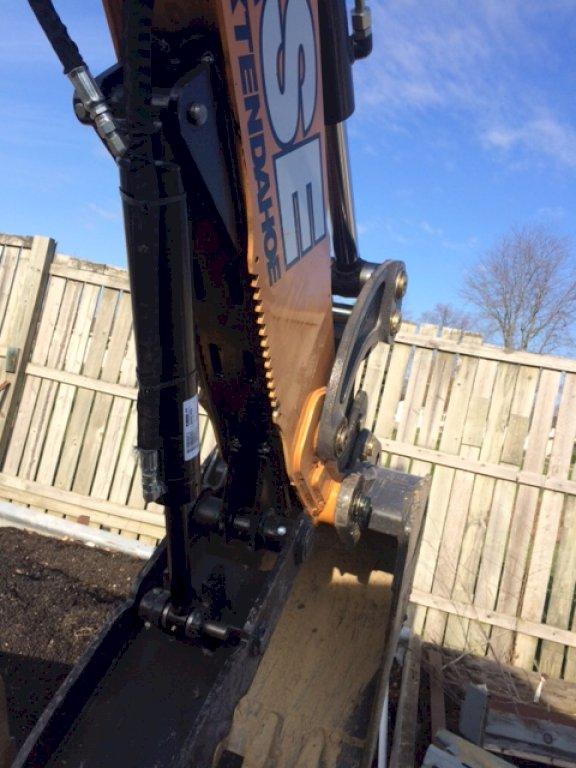 Ht1035 hydraulic excavator thumb on case extenda hoe 3