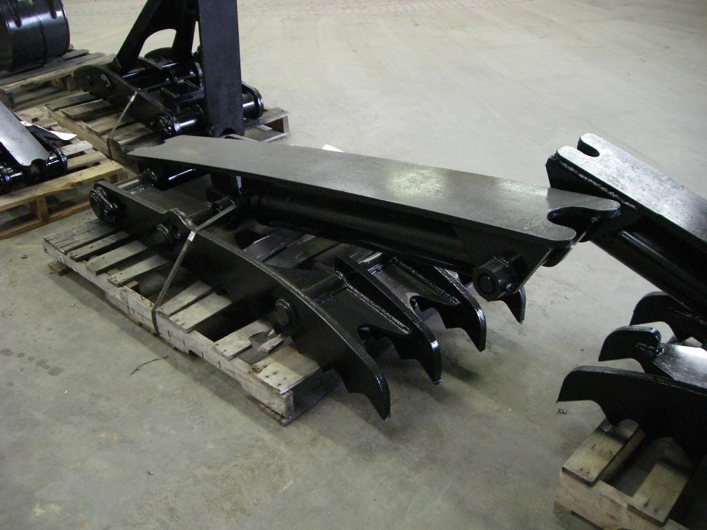Ht2458 hydraulic excavator thumb 10