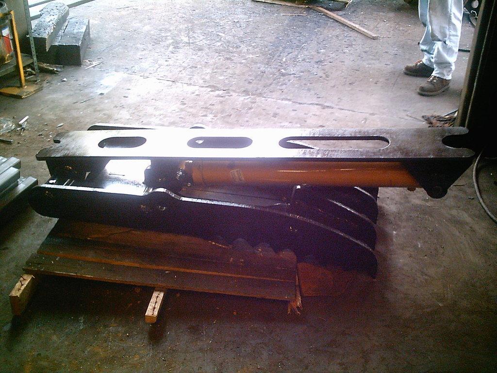 Ht2458 hydraulic excavator thumb 3