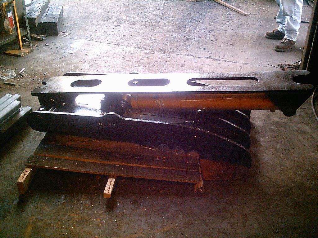 Ht2458 hydraulic excavator thumb 7
