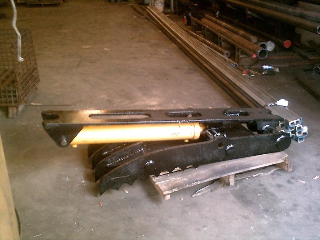 Ht2458 hydraulic excavator thumb 9