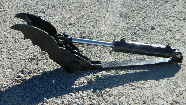 Ht821 mini hydraulic excavator thumb 2