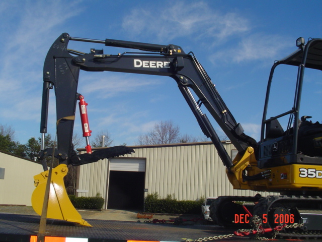 HT830 mini excavator thumb installed on a Deere mini excavator 35D