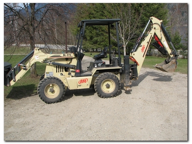 mini hydraulic thumb on BL-275 IR compact backhoe