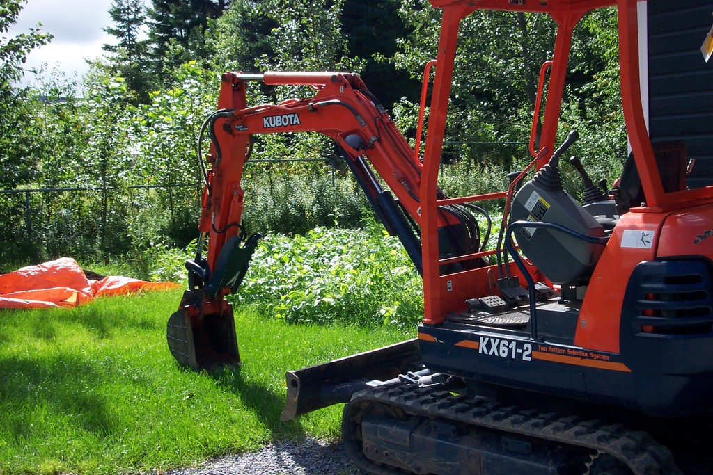 KUBOTA KX61-2 with USA Attachments Hyraulic mini excavator thumb
