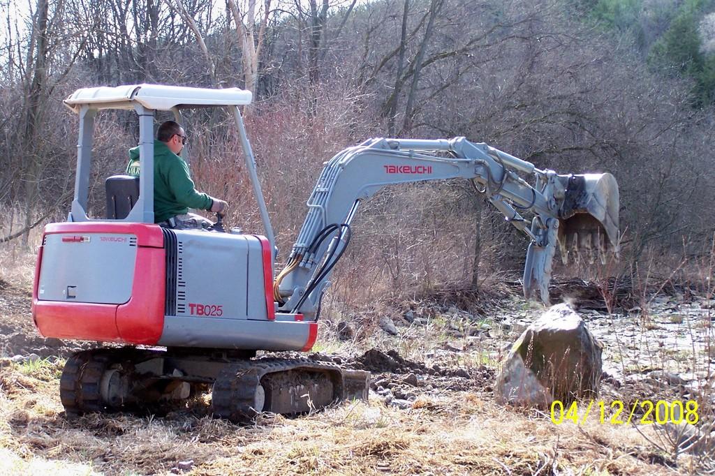 TAKEUCHI TB025 with HT830 hydraulic mini excavator thumb