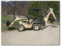 hydraulic mini thumb installed on BL-275 IR compact backhoe