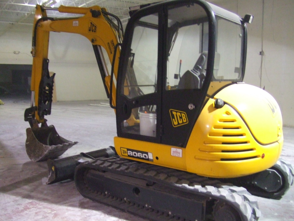 MT1035 excavator thumb installed on a JCB 8060 excavator