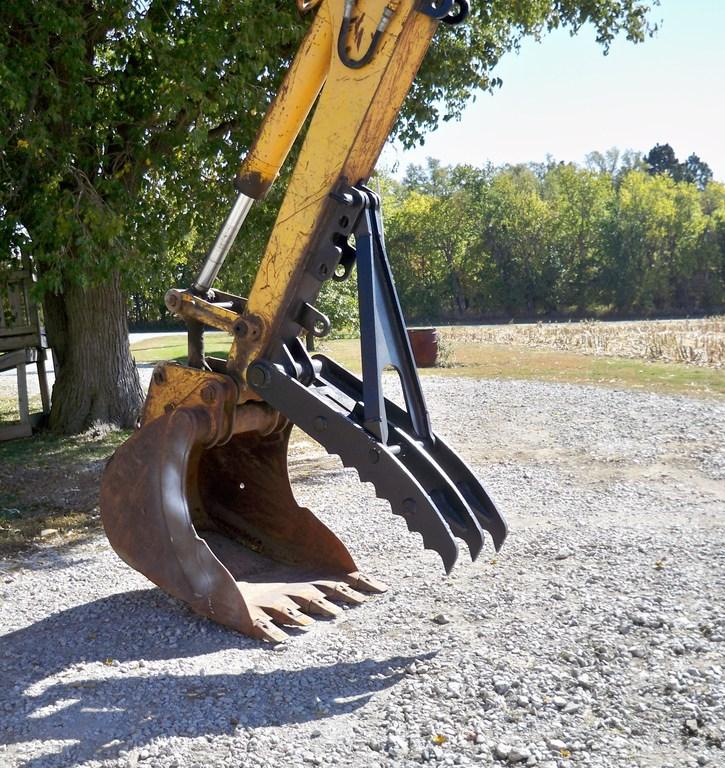 MT1850 excavator thumb