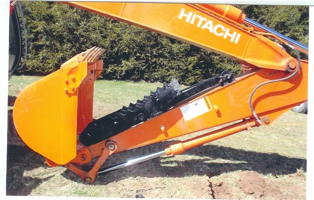 HITACHI with excavator thumb MT1850