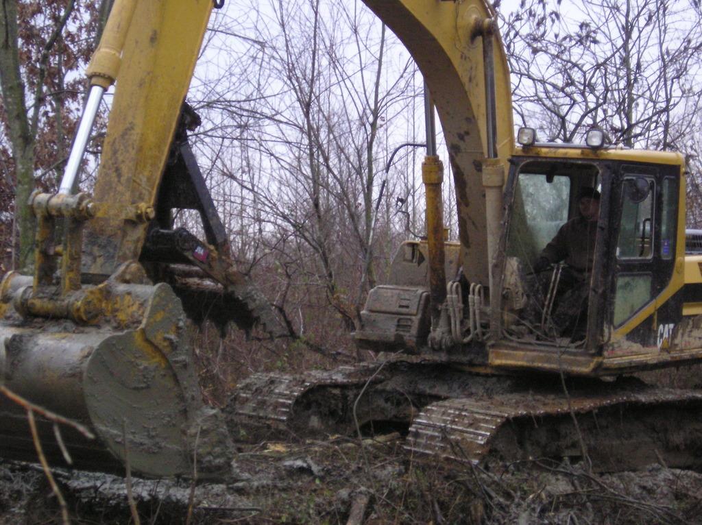 MT2458 installed on an excavator