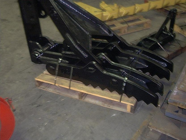 Black MT3070 excavator thumb on a pallet