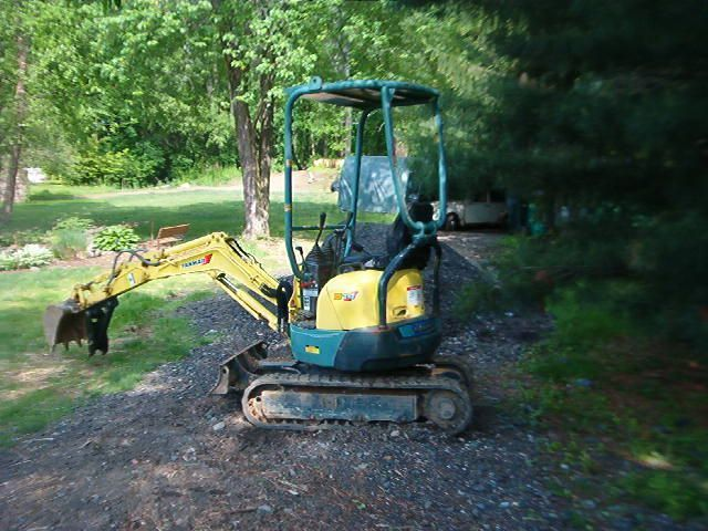 Yanmar mini excavator with MT618 mini thumb