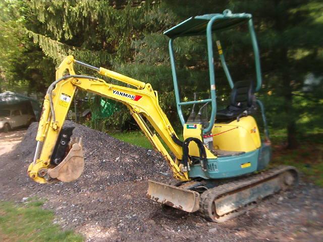 MT618 mini thumb installed on Yanmar excavator.