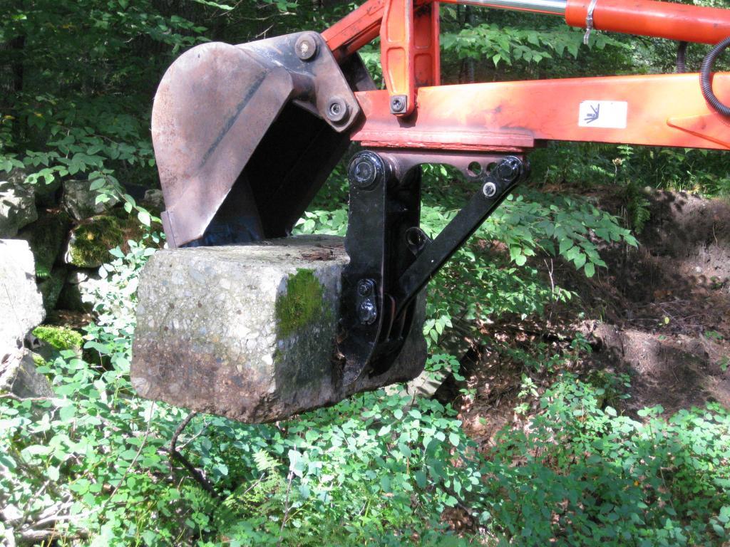 Mini excavator thumb 47