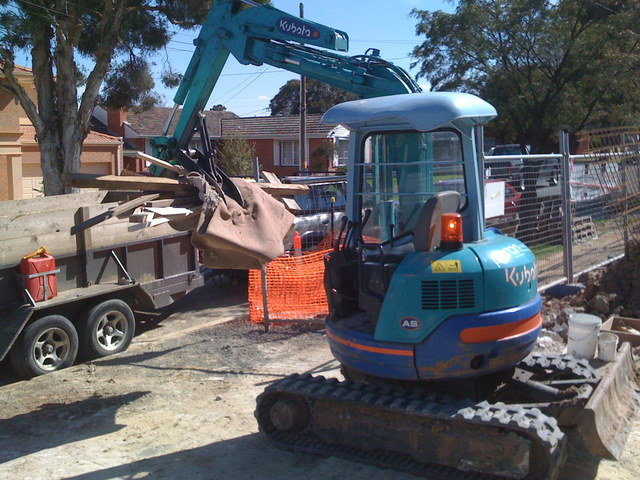 Kubota mini excavator with 8