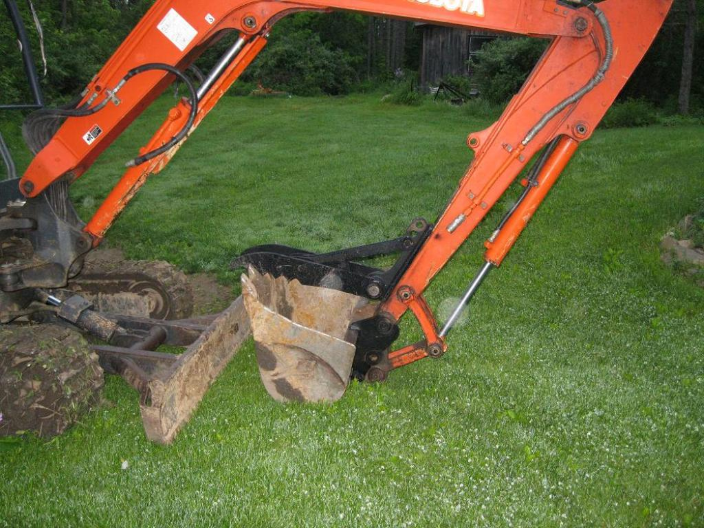 Mt830 mini excavator thumb 47