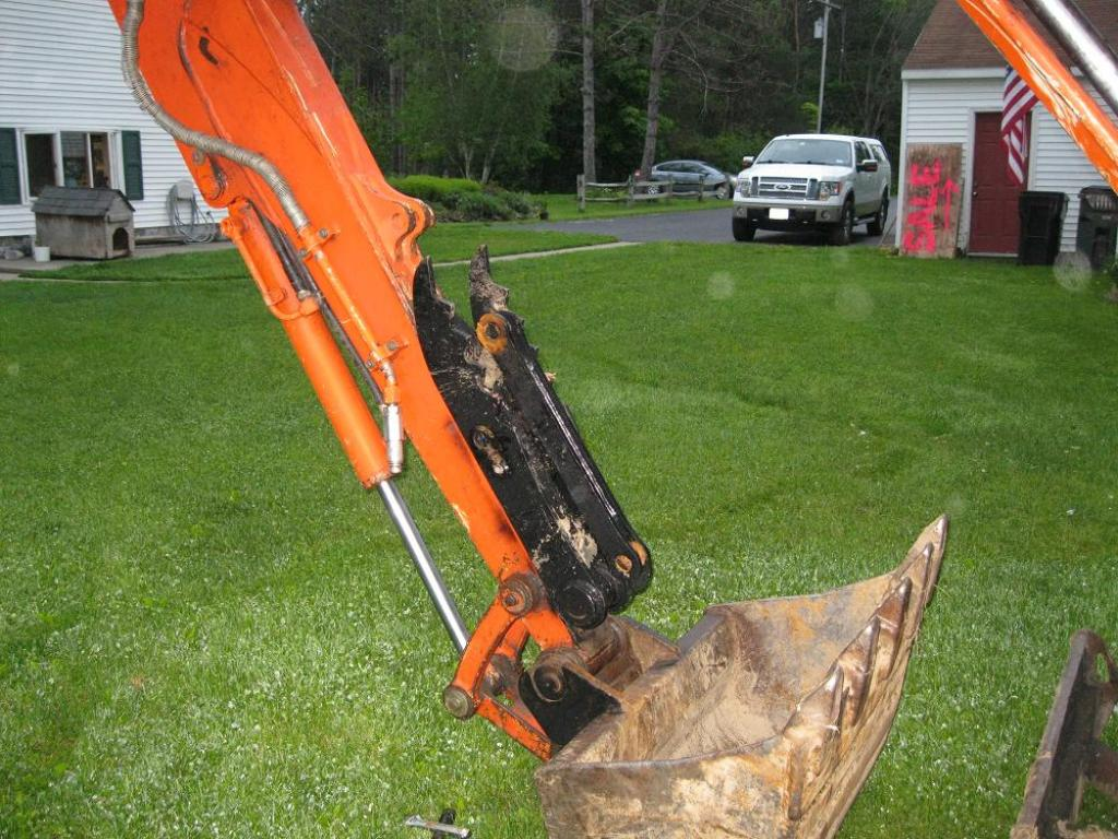 Mt830 mini excavator thumb 50