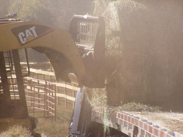 Skid steer hay spear 1