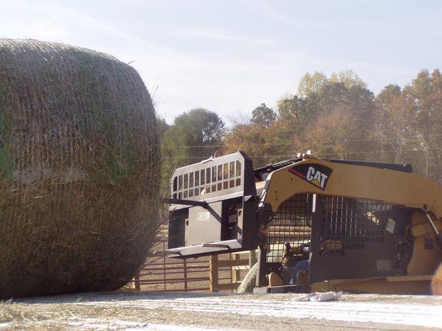 Skid steer hay spear 2