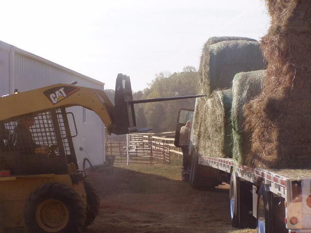 Skid steer hay spear 3
