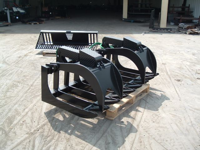 Skid steer xtreme root grapple 1